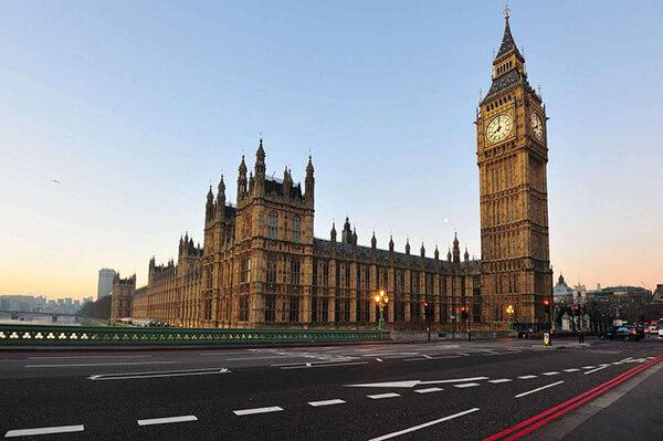 برج الساعة (بيج بن)   أيقونة الرقي والفخامة البريطانية