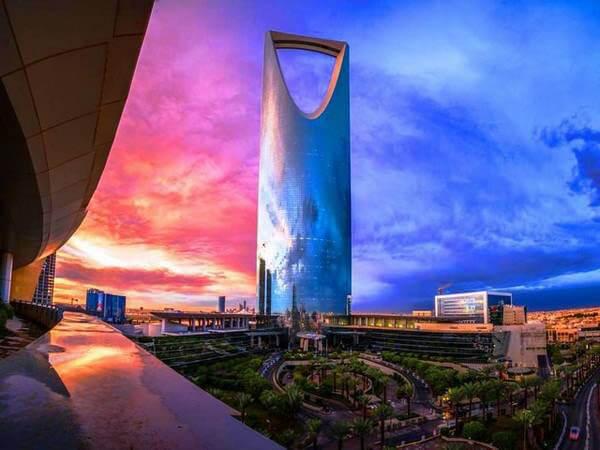 برج المملكة | تحفة معمارية وحضارية على الأراضي السعودية