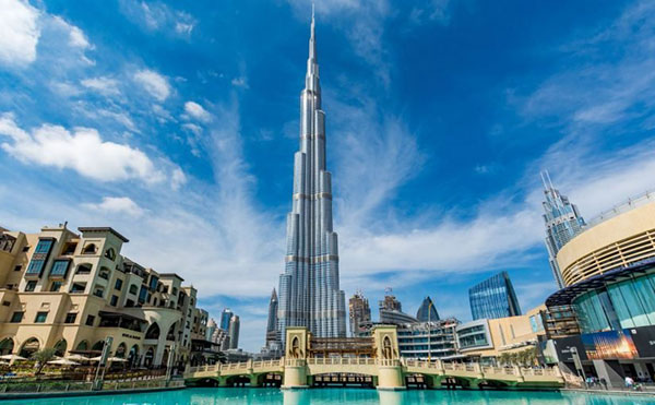 برج خليفة   استمتع بوقتك مع أعلى أبراج العالم على أرض عربية