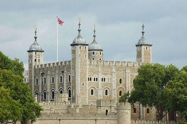 برج لندن | الصرح العملاق الشاهد على عظمة ورقي التاريخ الإنجليزي