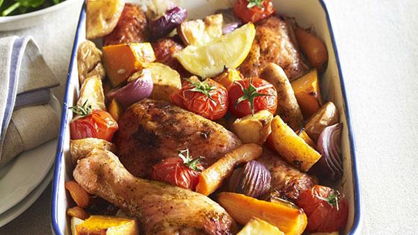طريقة عمل دجاج بالفرن مع الخضار في دقائق قليلة وبأشهى طعم